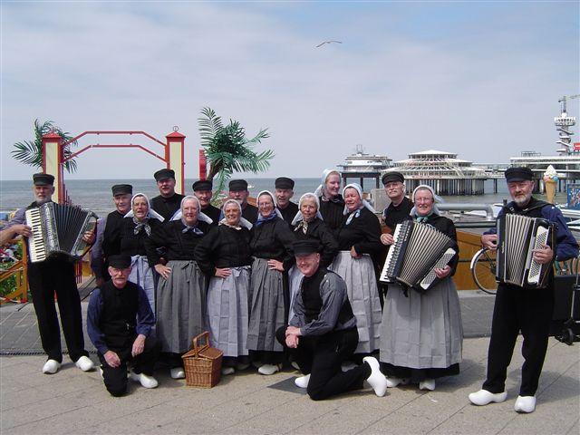 Folkloristische Dansgroep De Plaggenmeijers
