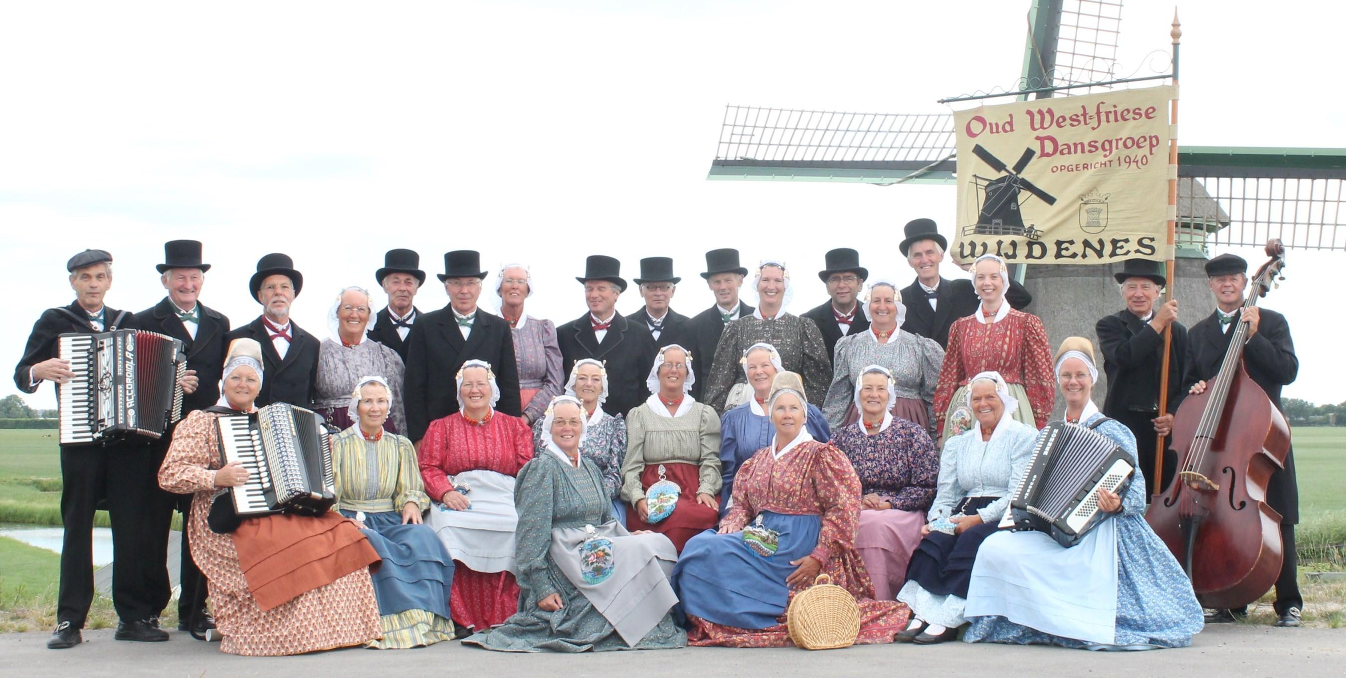 Oud West-friese Dansgroep Wijdenes
