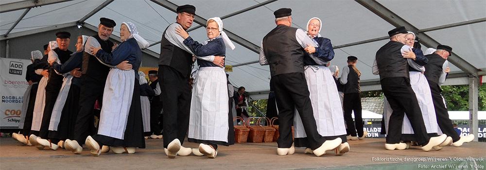 Folkloristische dansgroep Wi'j eren 't Olde, Velswijk<br /> Foto: archief Wi'j eren 't Olde